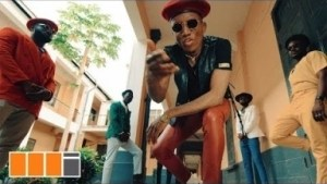 Video: Kofi Kinaata – Play